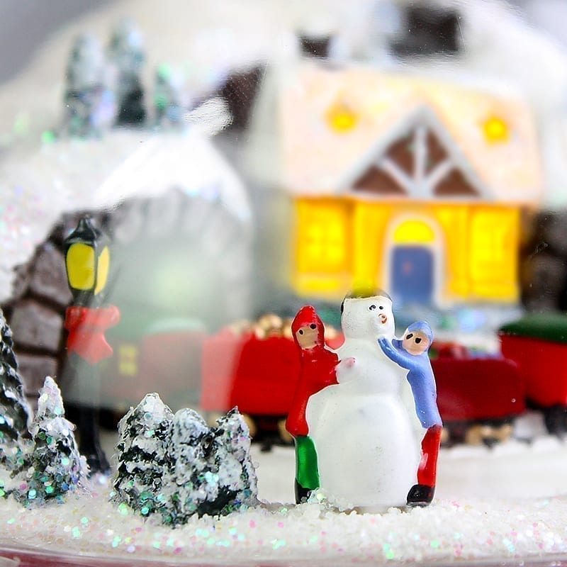 Christmas Day - Gingerbread house
